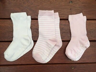2/3 Pack, SALE NEW Bonds Stay On GRIP SOLE CREW Socks, Baby Girls, Size 2-4