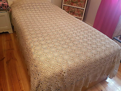 Vintage Handmade Rectangle Crochet Tablecloth/Bedspread - 230cm x 170cm