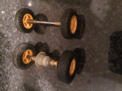 Scalextric Vintage C54 Lotus front and rear axle set with wheels and tyres