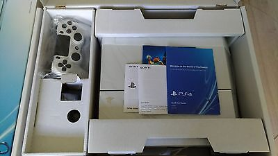Sony PlayStation 4 PS4 Console White 500 GB CUH-1116A in excellent condition