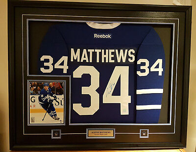 Framed Auston Matthews Toronto Maple Leafs Signed Jersey with 8x10 Picture