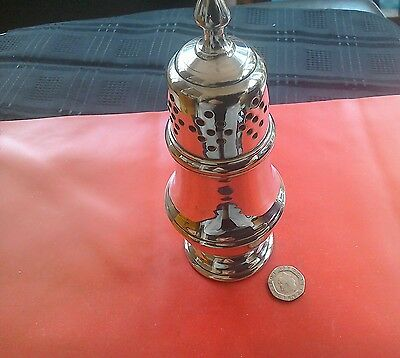 Lovely heavy quality vintage silver plate sugar shaker