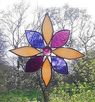 STAINED GLASS FLOWER. Handmade by The Stained Glass Panel Studio.