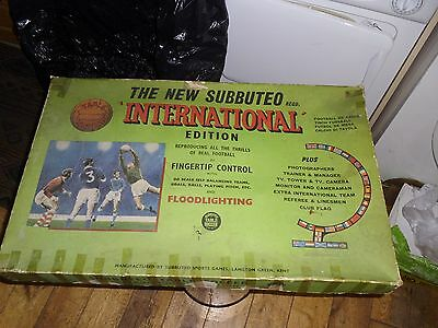1960's SUBBUTEO INTERNATIONAL SET - BOXED WITH FLOODLIGHTS