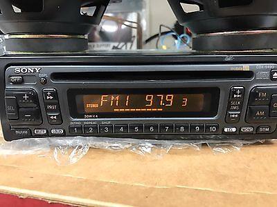 SONY CDX-5490 Radio & Wiring Harness Tested All Good