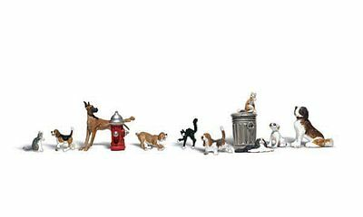 DOGS AND CATS #A1841 - Model Trains HO- Woodland Scenics