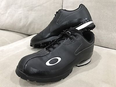 Oakley mens Leather golf shoes size US 9.5 UK 8.5 In Excellent Condition