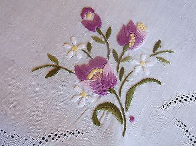 VINTAGE HAND EMBROIDERED DRAWN THREAD WHITE COTTON TABLE CLOTH 83cms SQ.