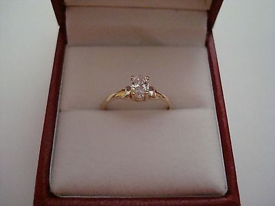 Hallmarked Vintage 18Ct Yellow Gold Solitaire Engagement Ring Size J