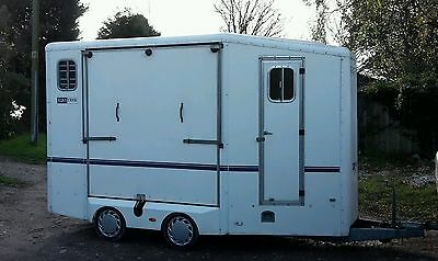 Equitrekhorse trailer, good solid tidy trailer