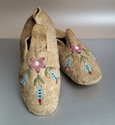 Antique Eastern Sioux (Dakota) Beaded Moccasins, Floral Designs. NO RESERVE!
