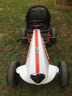 Kettler (Nearly New) White & Red Go Kart For Ages 4-9.
