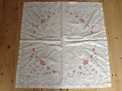 "Vintage Hand Embroidered Table cloth 32 1/2"" square"