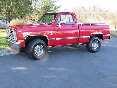1986 Chevrolet C/K Pickup 1500  1986 Chevy shortbed 4x4 FOUR SPEED nice clean K10