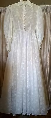 Pretty vintage 1950's wedding dress  with full skirt full long sleeves