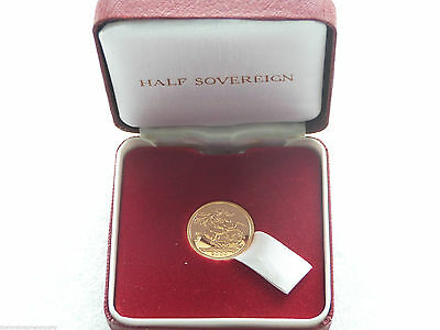 2000 Royal Mint Elizabeth II St George and the Dragon Half Sovereign Gold Coin