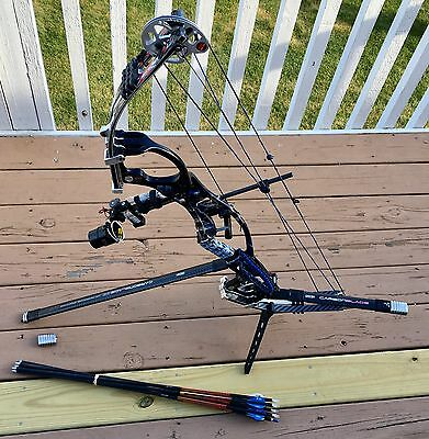 "Hoyt Pro Comp Elite Compound Bow RH 50-60 26-28"" Full set up package Competition"