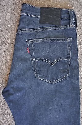 Levis 562 jeans, W32 L32, blue, loose tapered, button fly, excellent condition