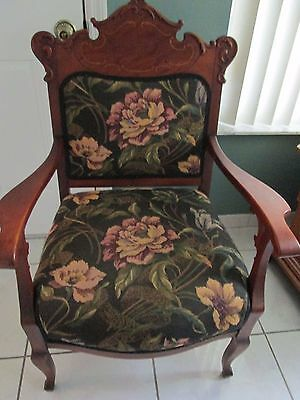 Beautiful Antique Victorian Walnut Parlor Chair (Floral Upholstery)