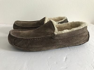UGG Men's Ascot Slippers Size 10