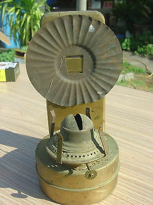 Vintage tin plate wall oil lamp, no flue