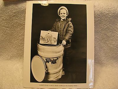 1976 White Tractor Dealer's AGRIFUTURE Publicity Kit RARE GLOSSY PICTURES!!