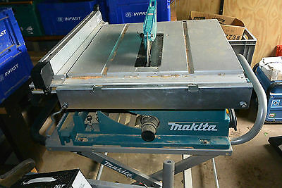 Makita Table Saw 110 volt, Mobile telescopic table. Good Condition.
