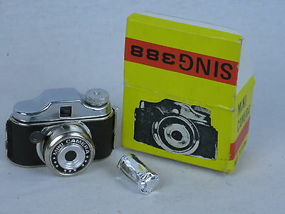 "Vintage Miniature ""Hit"" Style Camera Sing 388 in Original Box , unused, mint."