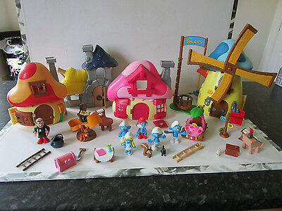 Smurfs Mushroom House Playsets with Figures And Accessories Smurfette, Gargamel