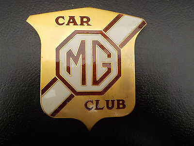 MG sports club badge in gold