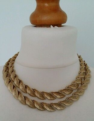 Vintage 1950s Lisner Gold Tone Etched Leaf Double Chain Necklace