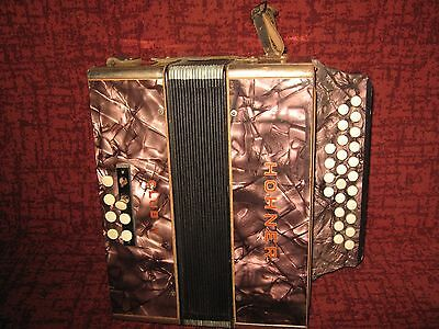 Ancien Accordéon Hohner Club Ii  Bouton Vintage Collection