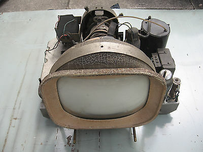 Vintage Television Chassis Invicta T105