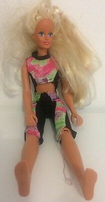 Sindy For Fun Bike With Outfit 1990