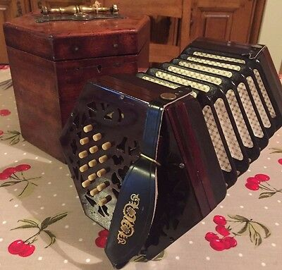 Immaculate Original C/G Lachenal Concertina with Case