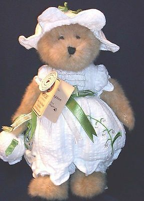 Boyds Plush Bear - Lilly Bearybloom - May Bear Of The Month 2009