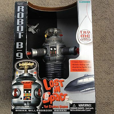 LOST IN SPACE Robot B-9 Limited Collector Edition 7 inch tall