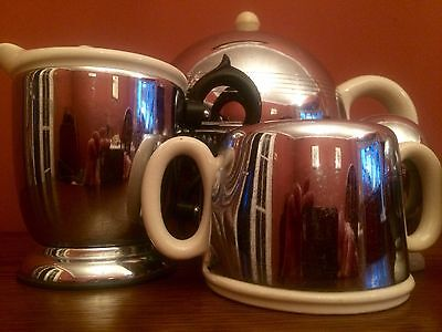Vintage Ever Hot Teapot & milk jug Sugar Bowl & 2 Egg cups.