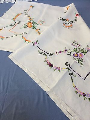Vintage Linen Tablecloth - Hand Embroidered - Vintage Decor - 108Cm X 102Cm