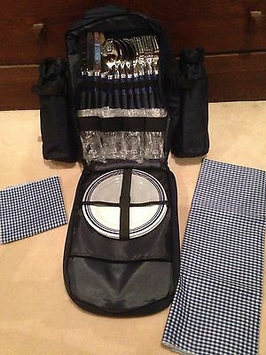 4 PERSON PICNIC BACKPACK SET 29 Pieces with padded Cooler 2 bottles WINE OPENER