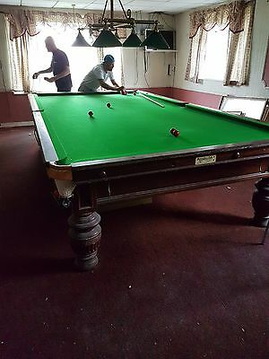full size snooker table with score board and canapy licht