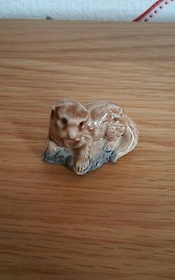 WADE Porcelain Baby Otter Whimsie Figure Collectable *Very Good Condition*