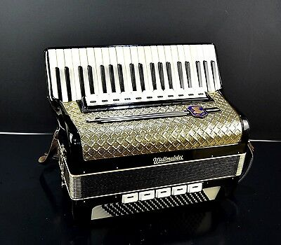 GERMAN VINTAGE TOP ACCORDION WELTMEISTER 120 bass, 16 switches (11+5 registers)!