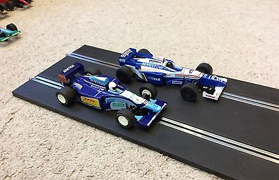 Two Scalextric F1 cars - Williams and Benetton