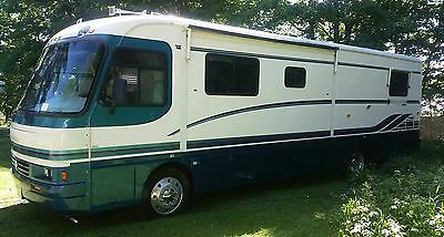 35 ft 1996 Holiday Rambler LE  diesel w/ slide out