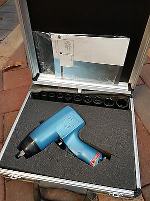 TOKU pneumatic air snap impact wrench on heavy duty mac
