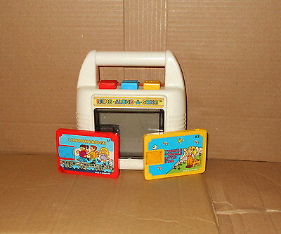 Tomy Bring Along Cassette Player (Retro Vintage 80s wind up music box)