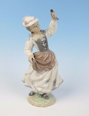 Lladro GIRL WITH SPARROW Figurine #4758 MINT Girl Bird Glazed Porcelain Retired