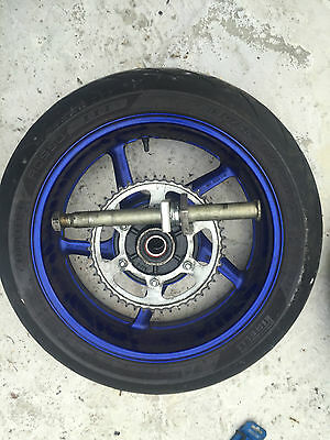 Yamaha Yzf R1 YZFR1 BIG BANG 14B REAR BACK WHEEL RIM SPROCKET SPINDLE * MINT *