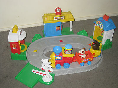 Fisher Price Little People Pop N Surprise Train And Track